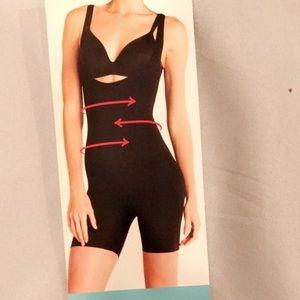 SPANX black body suit girdle Shape Wear. Small